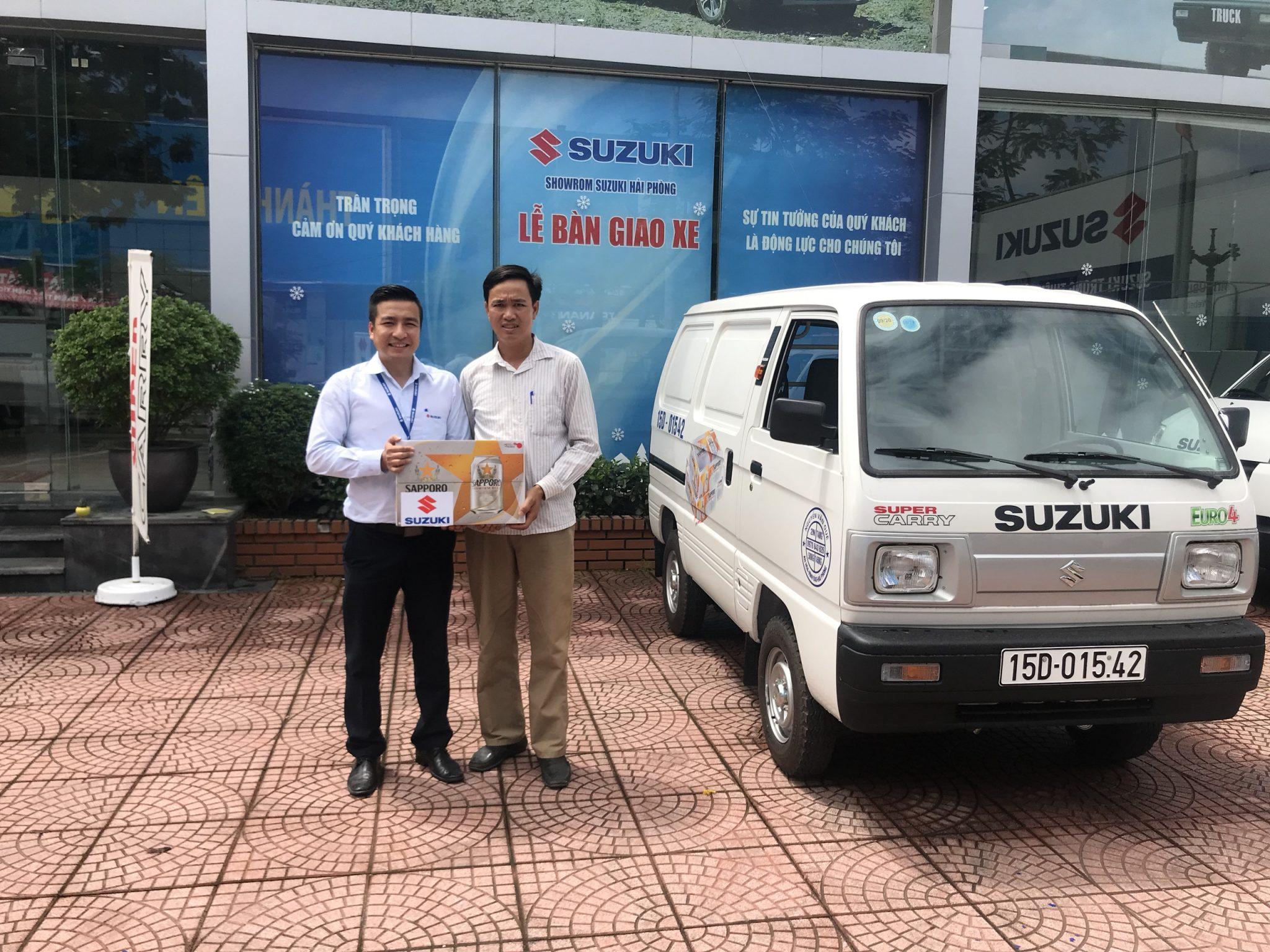 Lễ giao xe Suzuki Blind Van